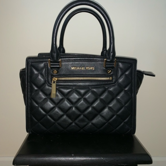 MICHAEL Michael Kors Handbags - Black quilted MICHAEL KORS purse